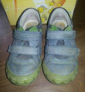 Ботинки (30размер)