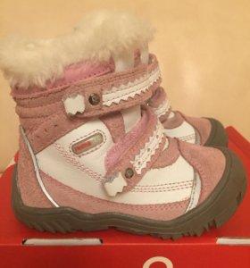 Обувь на девочку р 23