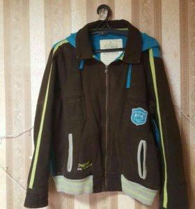 Новая куртка reebok