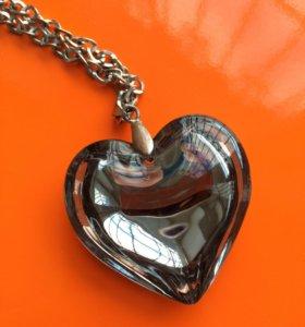 Крупный кулон на цепочке Сердце