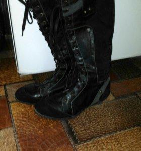 Сапоги обувь.