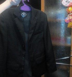 Продам костюм первоклассника не много б/у
