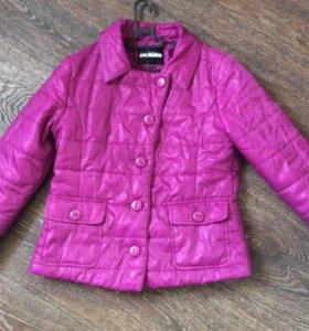 Курточка на весну acoola