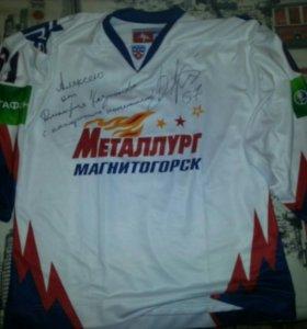 Хоккейный клубный игровой свитер с автографом Д. К