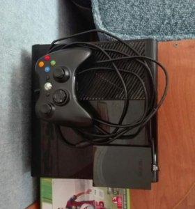 Xbox 360(250gb,+ 2 геймпада , + игра Fifa15)