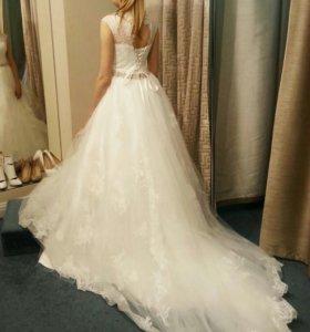 Свадебное платье (38/айвори)