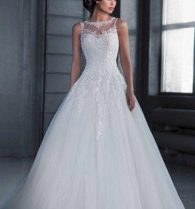 Свадебные платья новые цены от 5000 и до 15000.