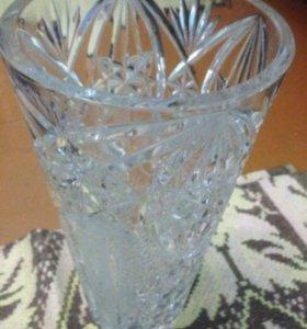 Хрустальная вазочка