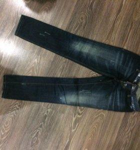 новые джинсы dsqvared.