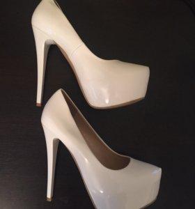 Новые туфли ARZO