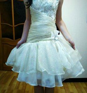 Выпускное платье .В хорошем состоянии!!