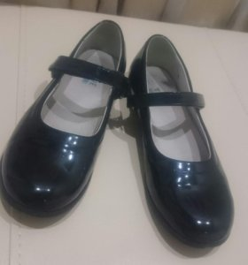 Туфли школьные 37 размер. Лак. Состояние отличное