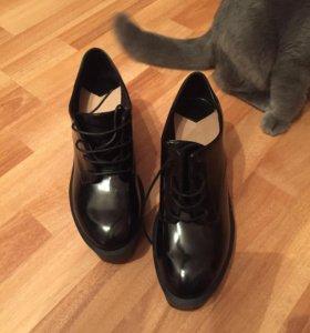 Новые осенние ботинки Stradivarius