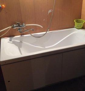 Продам акриловую ванну с экраном