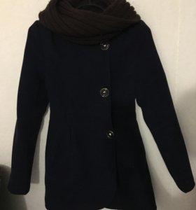 Продам пальто + шарф в подарок