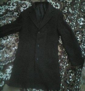 Продам мужское пальто весна- осень