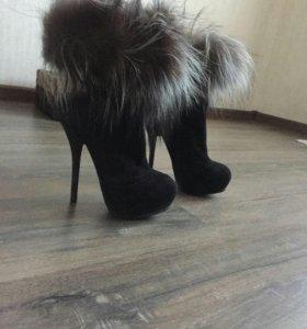 Ботиночки зимние, натуральная замша и мех чернобур