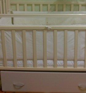 Детская кроватка плюс матрац