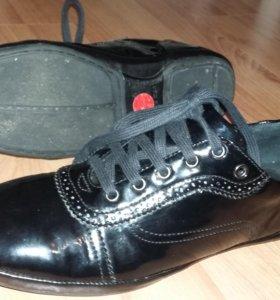 Лакированные ботинки ZARA