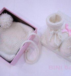 Детская шапочка и пинетки для малыша 0-6мес
