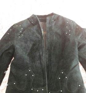 Костюм замшевый,пиджак и юбка со стразами