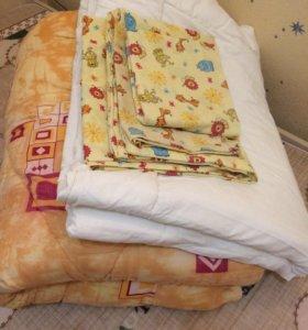 Продам 2 одеяла и комплект детского белья