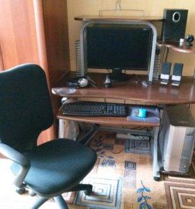 Компьютер 💻 и стол