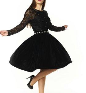Новое Бархатно-кружевное платье