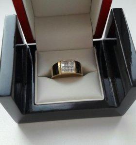 Золотое мужское кольцо перстень с бриллиантами