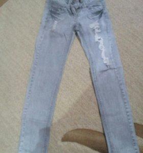 Продам джинсы ,размер XS
