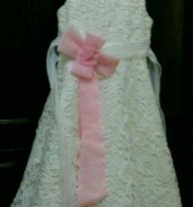 Платье нарядое 4-6 лет