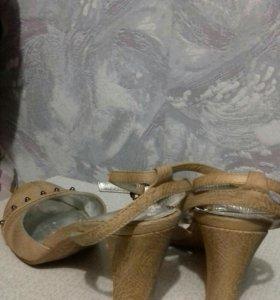 Туфли 39 р-р.