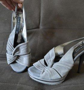 Туфли из натуральной замши.