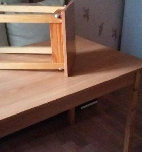 Стол с табуретами