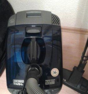 Моющий пылесос Томас 2т 700Вт