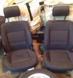 Продам передние сиденья от AUDI a6 c4
