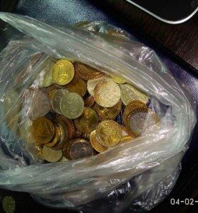Юбилейные монеты 1-2-10 рублей биметал