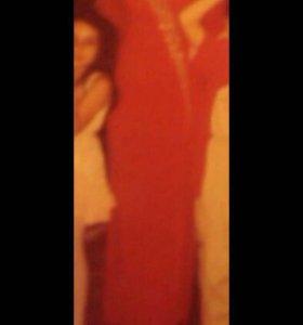 Платье красное размер 38-40