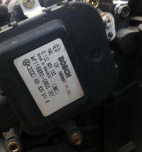Моторчик заслонки печки Ауди а6 с5