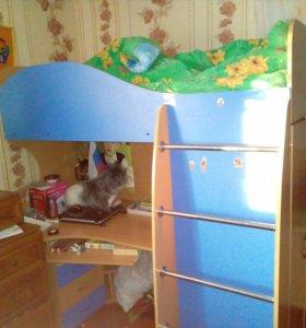Школьный уголок ,кровать чердак