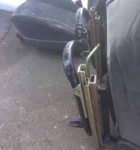 Передние сиденья Opel