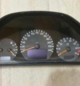 Спидометр Mercedes W210