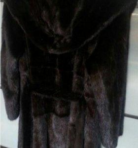 Продам шубу норковую с капюшоном 40-42 размер