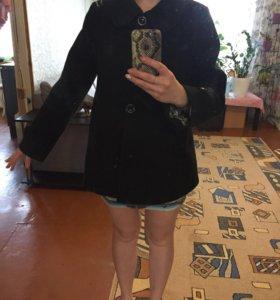 Пальто,можно и на беременную