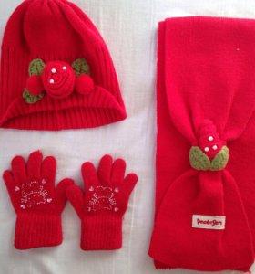 Комплект шапочка с шарфом и перчатками