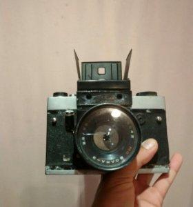 Старый фотоаппарат советских времен