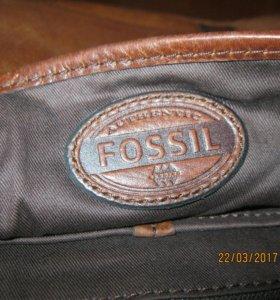 "Кожаная сумка бренда""Fossil""(оригинал USA)."