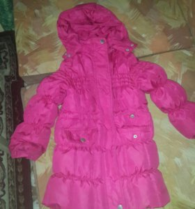 Куртка на девочку 5-6лет