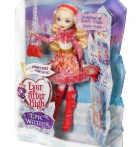 Кукла Ever After и Барби.