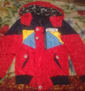 Продам куртку на мальчика